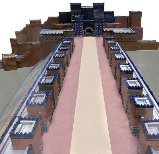 Mô hình cổng Ishtar và Đường Diễu Hành. Nguồn: Wikimedia.